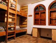 8 ágyas szobáink emeletes ágyakkal