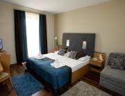 türkiz deluxe szoba pótággyal