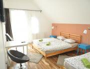 Franciaágyas szoba, pótágyazható