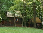 faházak az erdőben