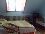 tetőtéri 3 személyes szoba