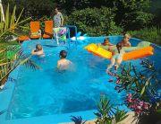 Medence a nyaraló részhez