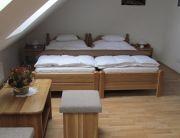 Kétágyas pótágyazható szoba