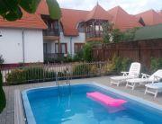 úszómedencés családi apartmanok