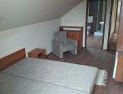 Emeleti kétágyas szoba
