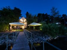 Anna Beach Villa maganszallas