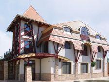 Hotel Kumánia szálláshely