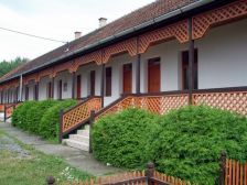 Kőbérc Panzió,Üdülőházak,  Kemping és Étterem Bózsva