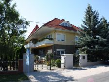 Sárga-kék ház