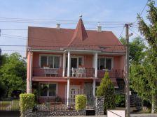 Tornyos ház Tiszaújváros
