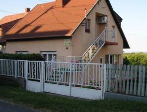 Ágnes Villa
