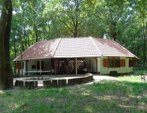 Aranykert Ifjúsági Tábor szálláshely