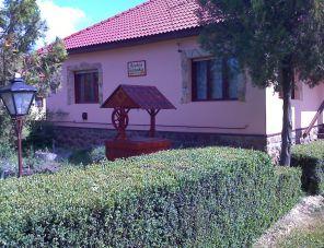 Borostyán kulcsosház szálláshely