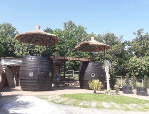 Egzotikus Kert 2+2 fős Óriáshordó bungaló Balatonalmádi szálláshely