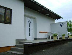Eszter Apartmanház Balatonkeresztúr szálláshely