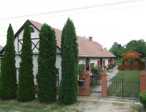 Eszter Vendégház Tiszafüred szálláshely