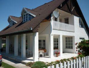 Fehérház Balatonkeresztúr szálláshely