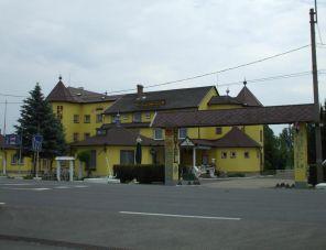 Holdfény Hotel Étterem Forró szálláshely