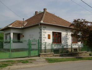Holló ház szálláshely