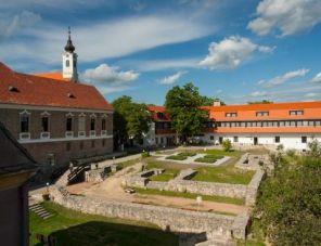 István Király Szálló hotel
