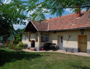 Karát-lak szálláshely