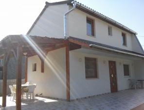 Kriko Gyermekbarát Üdülőház Balatonfenyves szálláshely