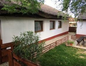 Nádfedeles Apartman szálláshely Balatonkenese