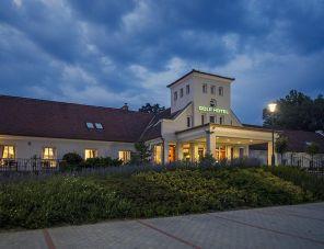 Old Lake Golf Hotel hotel