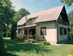 Czagi Villa profil képe - Balatonmáriafürdő