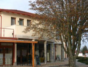 Hotel Faluközpont profil képe - Újhartyán