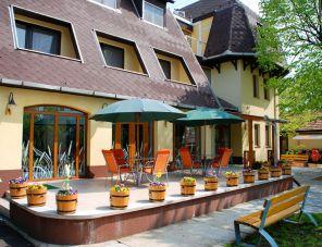 Hotel Flóra** profil képe - Orosháza
