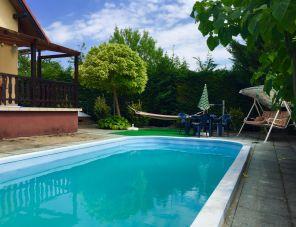 Joe medencés háza profil képe - Balatonkenese