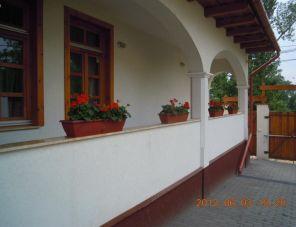 Parasztház Apartman profil képe - Dunaalmás