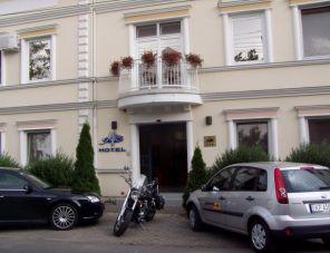 Tisza Alfa Hotel hotel