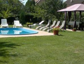 Zsuzsa medencés Apartman Balatonlelle szálláshely