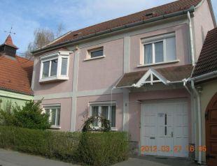 Dombai Apartman profil képe - Vác