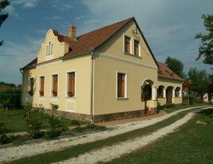 Faluszéli Tóthék Háza profil képe - Szentkozmadombja