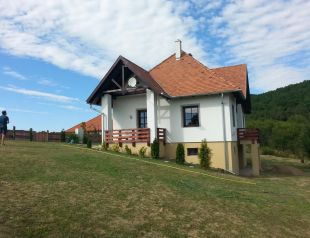 Hársbérc Vendégház profil képe - Vágáshuta