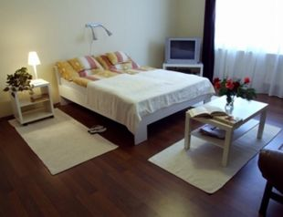 Ilona Apartmanház profil képe - Komárom