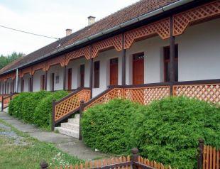 Kőbérc Panzió,Üdülőházak,  Kemping és Étterem profil képe - Bózsva