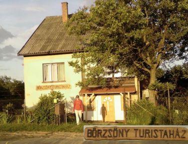 Börzsöny Turistaház profil képe - Borsosberény