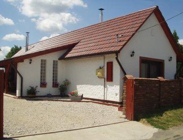 Baglas Vendégház - Jacuzzival a Balatonnál profil képe - Kéthely