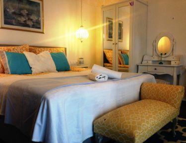 Borostyán Apartmanház profil képe - Abádszalók