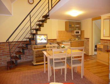 Brill Apartman profil képe - Gyula