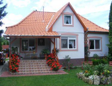 Fenyő Vendégház profil képe - Mikófalva