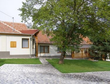 Hegyipatak Vendégház profil képe - Mogyoróska