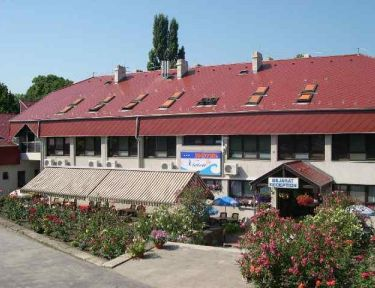 Hotel Vivien profil képe - Balatonakarattya