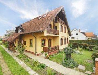 Kerti Vendégház profil képe - Balatonkeresztúr