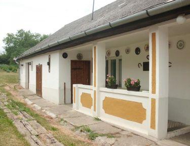 Lukovics Turistaház profil képe - Monok