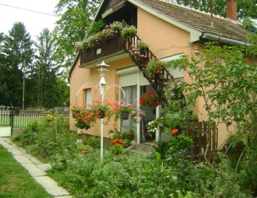 Nemes Ház profil képe - Balatonmáriafürdő